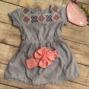 2/$12 2T Carters dress with large pink head bow.